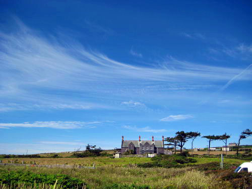 House next to Rhoscolyn Beach hr