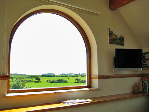new Y Stabl arch window2